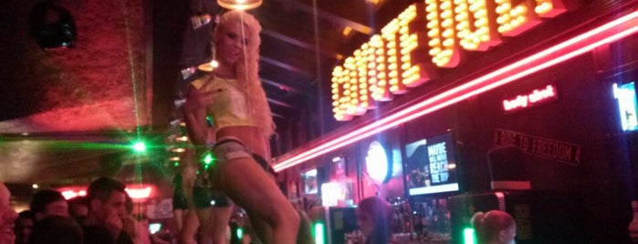 Coyote Ugly is one of Alec 님이 좋아한 장소.