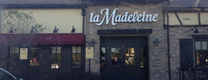 la Madeleine French Bakery & Café Sunset Valley is one of Jenn 🌺'ın Beğendiği Mekanlar.