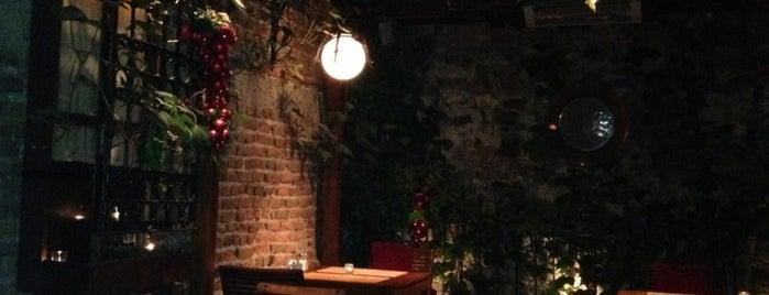 Kalecik Restaurant is one of hulya'nın Kaydettiği Mekanlar.