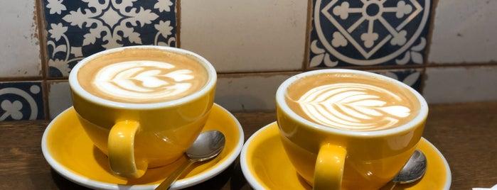 Café Lisboa is one of Lugares guardados de Elena.