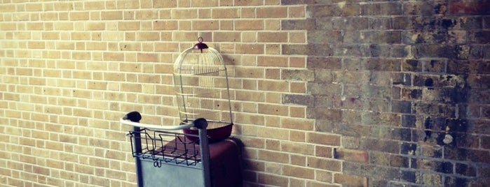 Platform 9¾ is one of Lugares favoritos de Miguel.