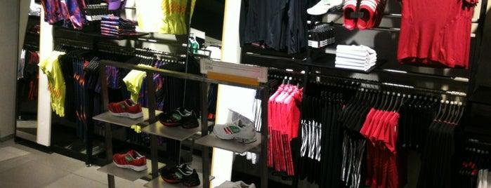 adidas is one of Locais curtidos por Rick.