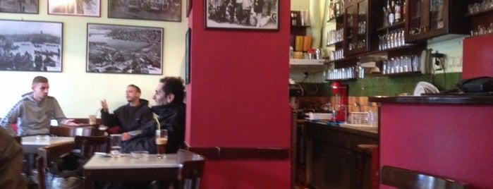 καφενειο ναυαρινου is one of Lieux qui ont plu à Manos.
