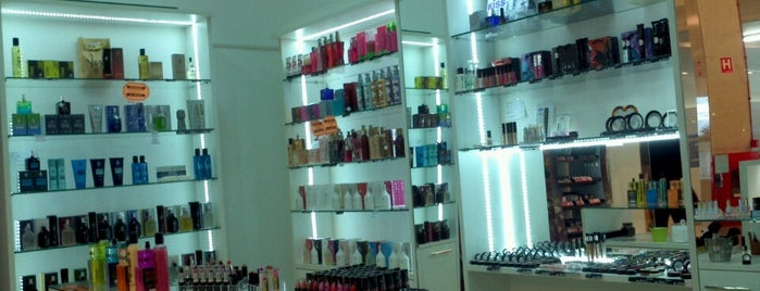 Yes Cosmetics Catanduva - Garden Shopping is one of สถานที่ที่ Neto ถูกใจ.