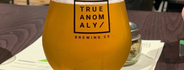 True Anomaly Brewing Company is one of Lugares favoritos de Andrew.