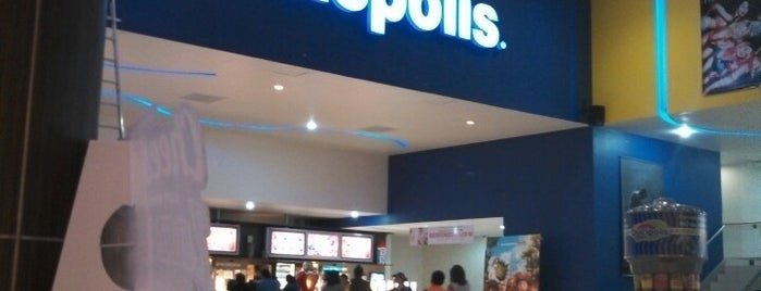 Cinepolis is one of Locais curtidos por Rodolfo.