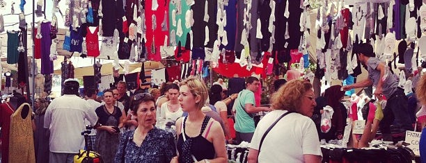 Şirinyalı Cumartesi Pazarı is one of Locais curtidos por Haydar.