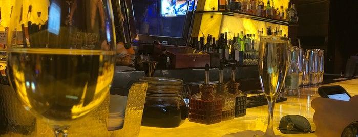 Onyx Bar is one of AtomicApril'in Beğendiği Mekanlar.