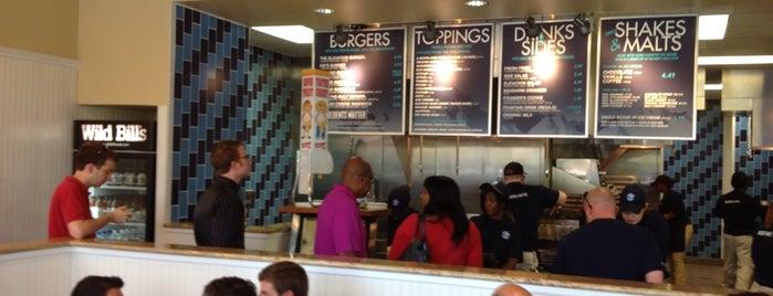 Elevation Burger is one of Lieux qui ont plu à John.
