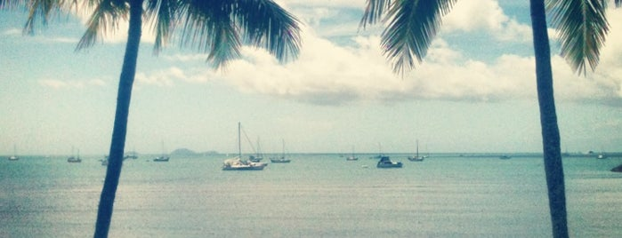 Airlie Beach is one of Jas' favorite urban sites.