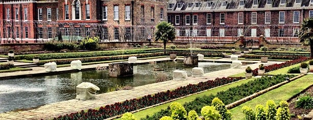 Kensington Palace is one of London.