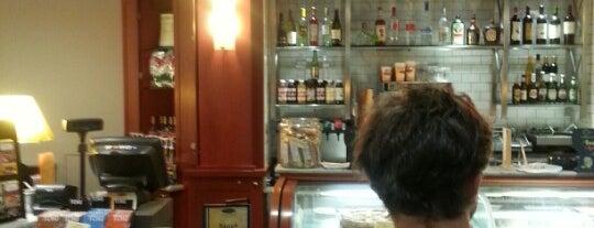 Il Fornaio Caffe Del Mondo is one of My home LA.