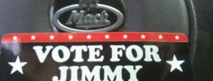 Jimmy John's is one of Lamya'nın Beğendiği Mekanlar.