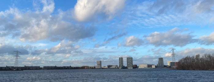 Almere is one of Hollanda.