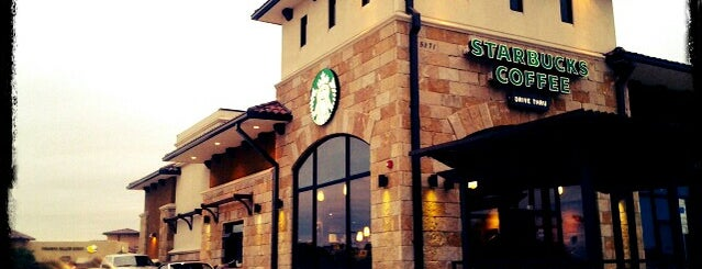 Starbucks is one of Lieux qui ont plu à Claudia.