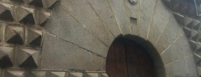 Casa De Los Picos is one of Un día en Segovia.