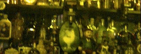 Café de los Incas is one of Bar.