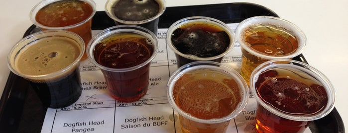 DeCicco's Tap Room is one of Candlewood.