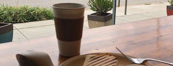 Crows Coffee is one of Crystal : понравившиеся места.