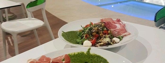 Salateira is one of Locais curtidos por Вова.