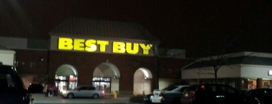 Best Buy is one of Locais curtidos por Scarty.