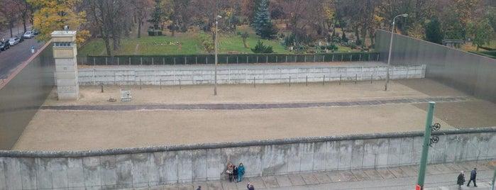 Gedenkstätte Berliner Mauer is one of Almost Locals em Berlim.
