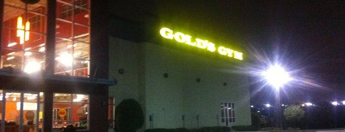 Gold's Gym is one of Locais curtidos por Ruby.