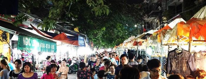 Chợ Đêm Đồng Xuân (Dong Xuan Night Market) is one of Vietnam.