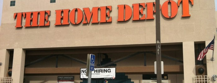 The Home Depot is one of Lugares favoritos de Josh.