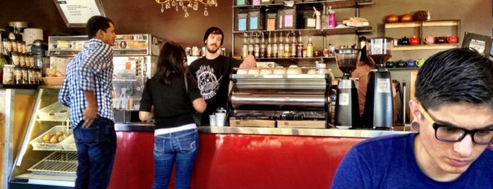 Pablo's Coffee is one of Locais curtidos por Andrea.