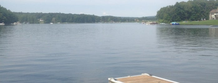 Deep Creek Lake is one of สถานที่ที่ warren ถูกใจ.