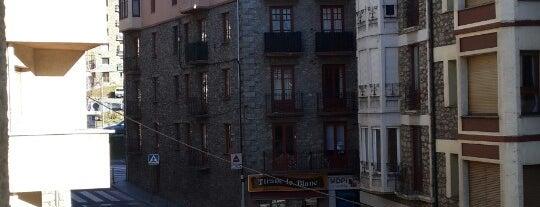 Somriu Hotel Oros is one of Lugares favoritos de alejandro.