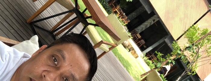 Katamaran Senggigi Resort Lombok is one of สถานที่ที่ 블루씨 ถูกใจ.