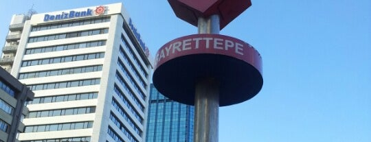Gayrettepe Metro İstasyonu is one of Lugares guardados de Uğur.