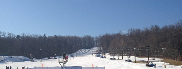 Spring Mountain Ski Area is one of Philly.