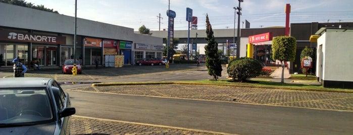 Plaza Estrella is one of Posti che sono piaciuti a Zava.