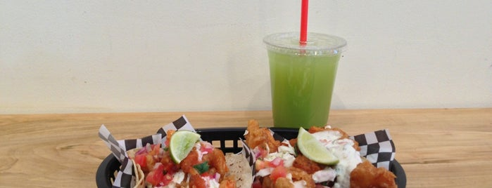 Seven Lives - Tacos y Mariscos is one of Locais curtidos por Billy.