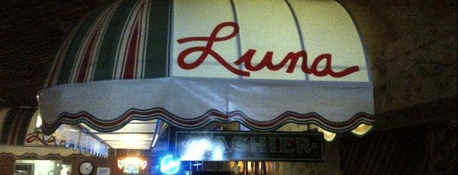 Luna Pizzeria & Italian Restaraunt is one of Fresno Area Favorites.
