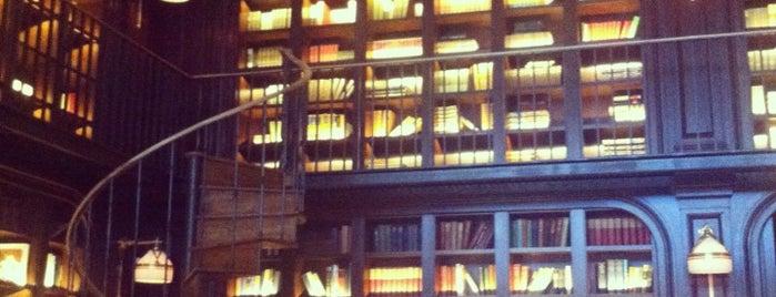 The Best Hotel Lobby Bars in New York