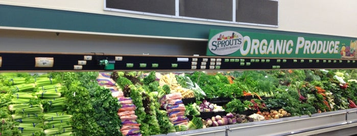 Sprouts Farmers Market is one of Orte, die Denette gefallen.