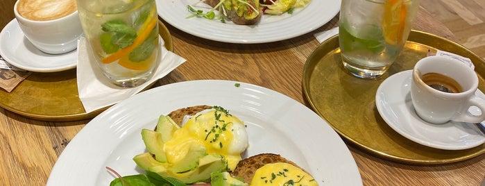 Mondieu is one of Prague breakfast.