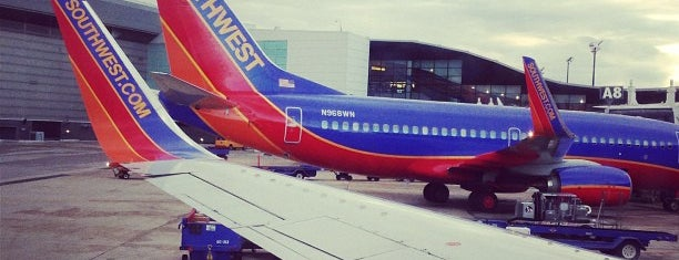 Southwest Airlines is one of Tempat yang Disukai Eve.