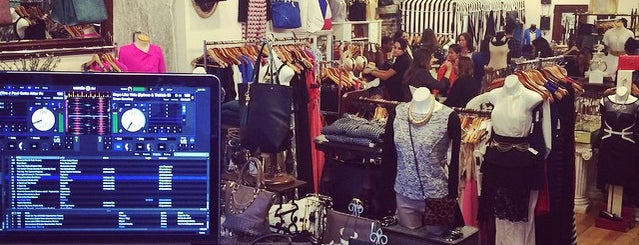 Tia's Place is one of JC Shopping.