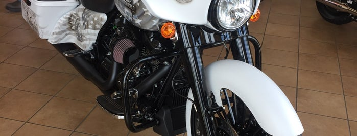 Harley-Davidson World is one of Lieux qui ont plu à Christina.