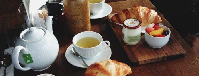 Côte Brasserie is one of สถานที่ที่ Gabriella ถูกใจ.