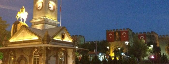 Cumhuriyet Meydanı is one of Tempat yang Disukai Fatih.