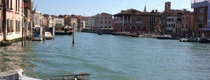 Campo San Francesco is one of Guía de Venecia.