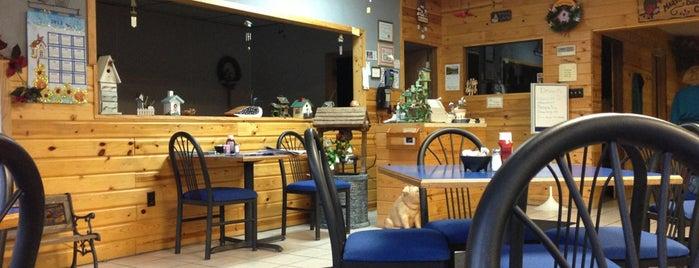 Mary's birdhouse cafe is one of สถานที่ที่บันทึกไว้ของ Derek.