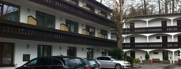 Hotel Barbarossahof Kaiserslautern is one of Locais curtidos por Stephanie.