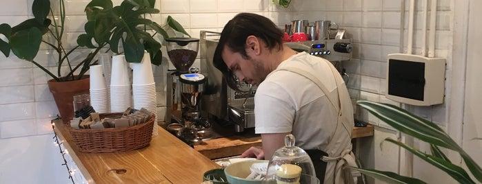 Posta de Café is one of cafes.